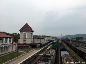 北朝鮮旅行2 中ロ国境のクロデコボ駅(ロシア・ポグラニチニ)