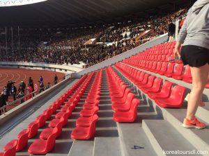 平壌のメーデースタジアムの客席