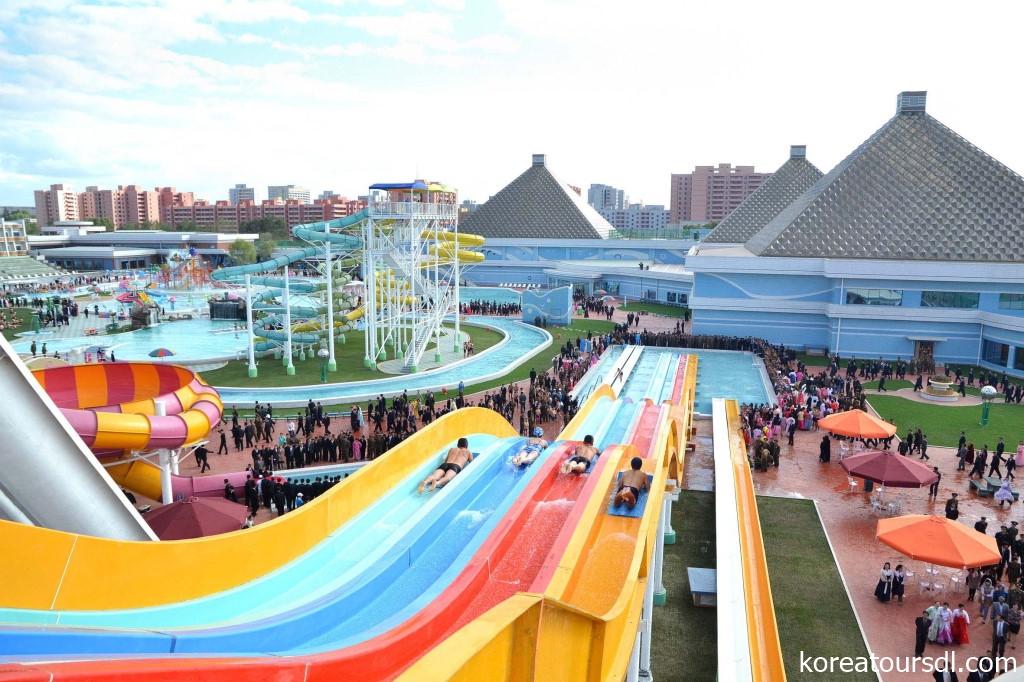 北朝鮮の首都平壌には近年大型プールがオープン