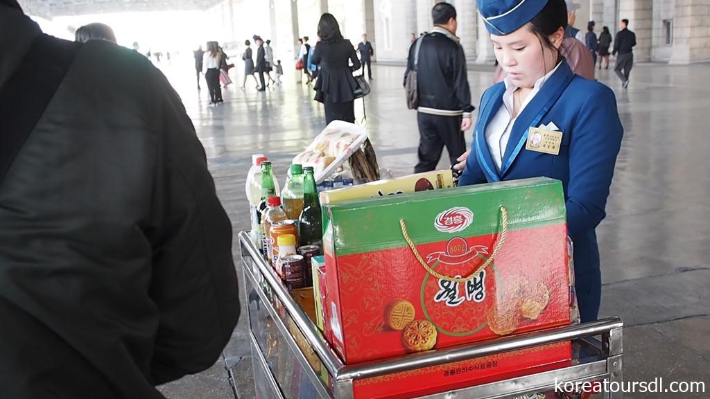 国際列車の旅・平壌駅