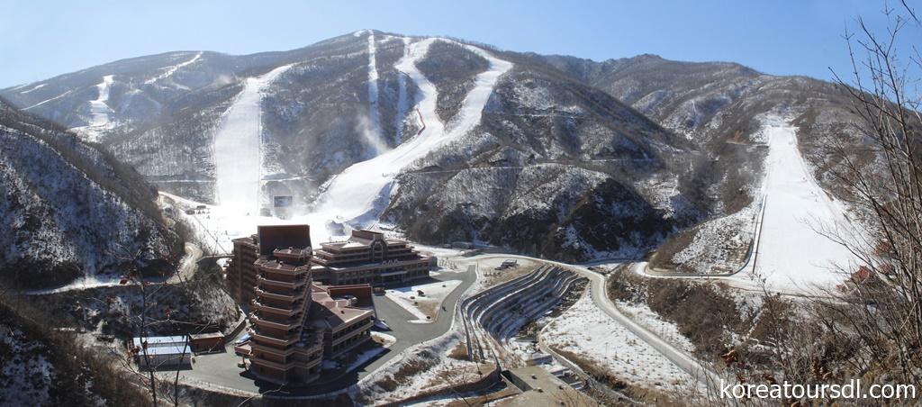 10コースを備える北朝鮮・馬息嶺スキーリゾート