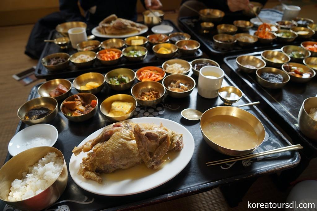 北朝鮮・開城で食べる本場の参鶏湯